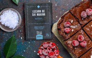 escamas de sal Bras del Port con brownie de chocolate