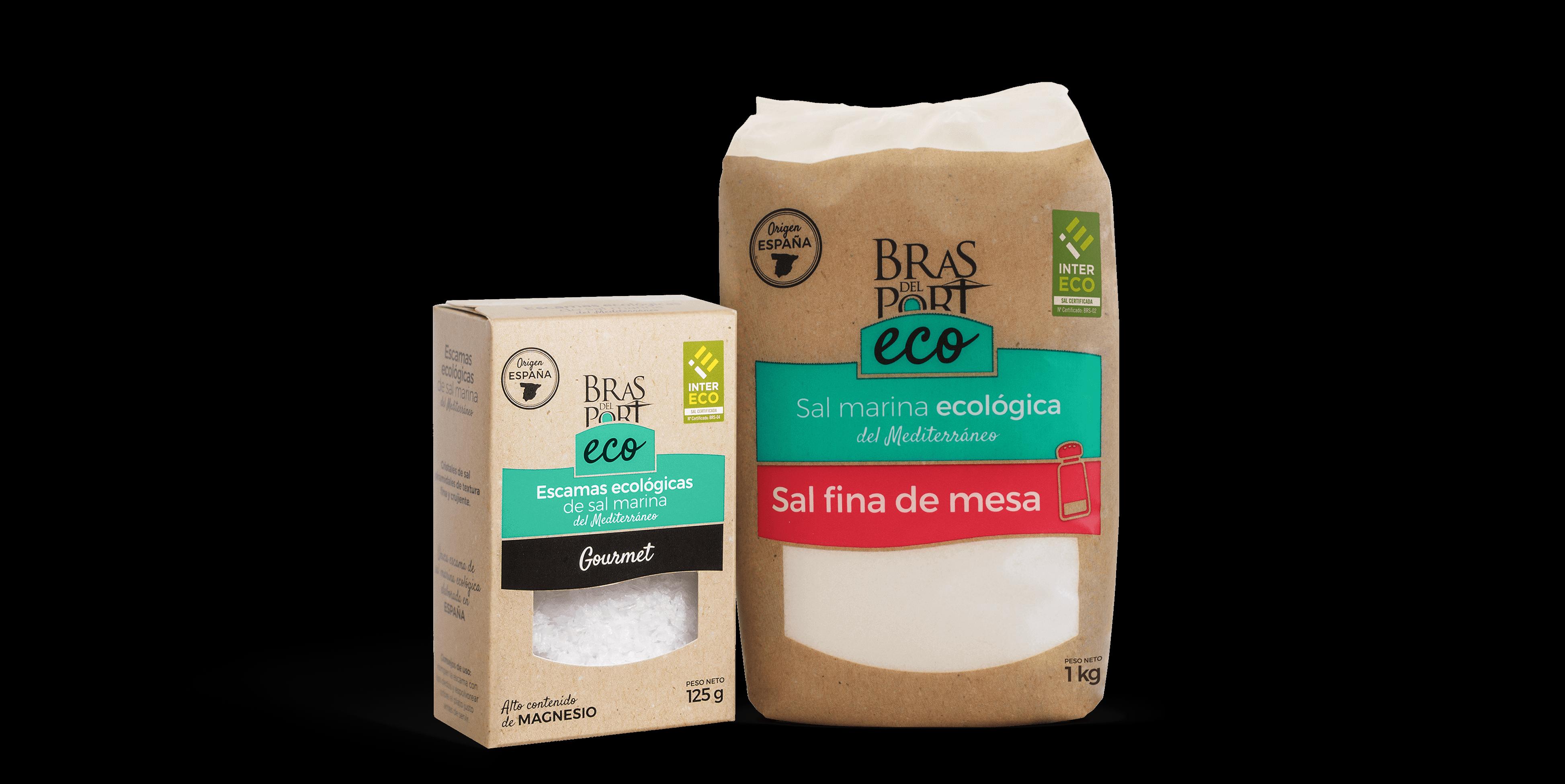 Bodegón con las escamas y la sal fina ecológica en inicio